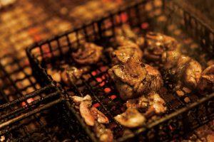 宮崎の銘柄鶏_霧島鶏の炭火焼の料理画像